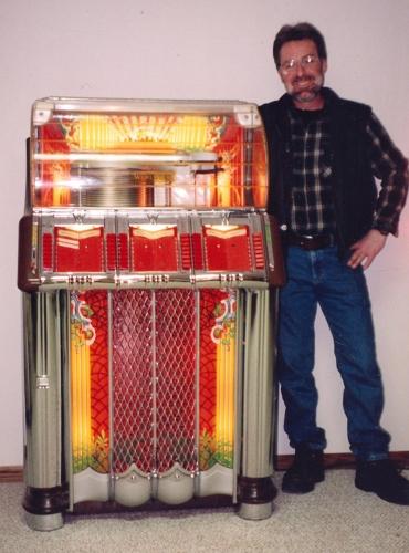 Wurlitzer 1250 with Ron